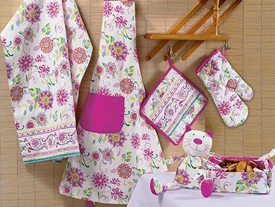 Картинки по запросу Кухонный фартук, перчатки и полотенца - как выбрать модный текстиль для кухни?
